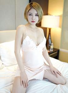 嗲囡囡短发性感少女凯竹BuiBui无圣光蕾丝睡衣诱人私房照