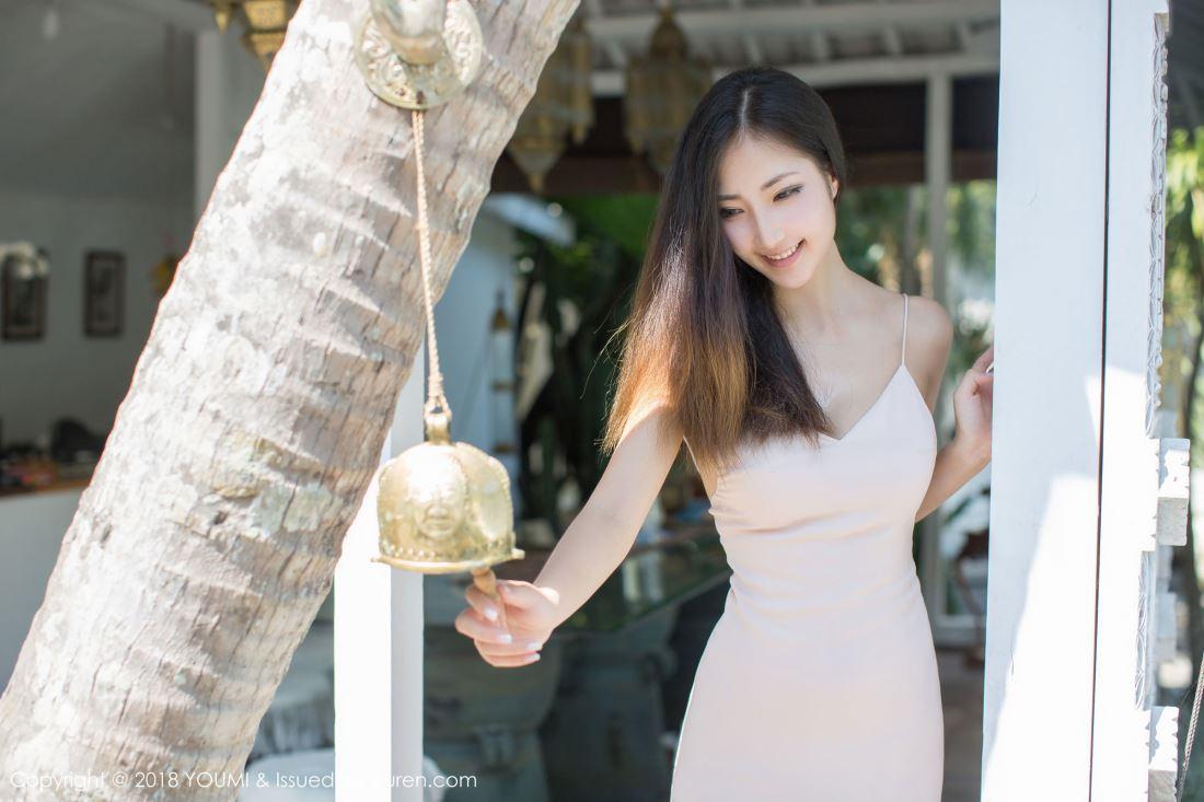 尤蜜荟性感女神Yumi尤美泳池比基尼身材火辣大长腿套图