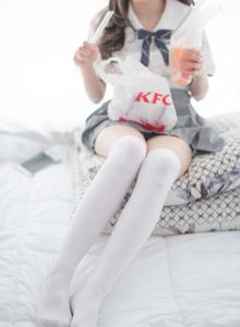 森萝财团x系列预览JK制服白丝萝莉丝袜裸足诱惑写真图片