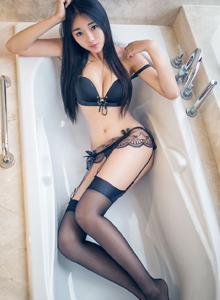 尤蜜荟可乐Vicky比基尼修长美腿美女黑丝袜性感诱惑写真套图