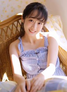 小清新文艺女青年美女吊带连衣裙唯美美女写真图片