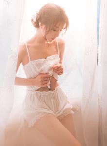 蕾丝美女网红小仙女大长腿私房诱人治愈系写真图片