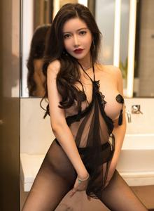星颜社李妍曦丝袜诱惑性感女神黑丝美腿大尺度美女图片
