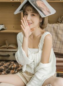 甜美可爱萌萌哒萝莉妹子图 短发美女小仙女图片