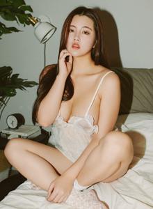 秀人网巨乳美女尤物娜露Selena性感蕾丝内衣诱惑私房写真