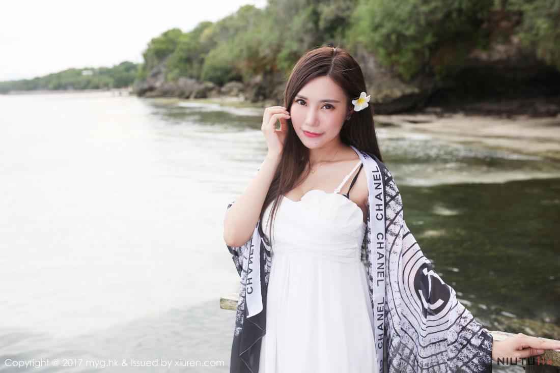 美媛馆长发美女绮里嘉沙滩连衣裙小清新女神唯美写真图片