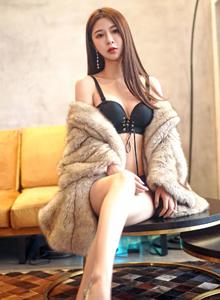 嗲囡囡性感女神luna张静燕内衣诱惑修长美腿私房写真