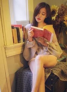 极品尤物文艺美女修长白嫩美腿诱惑写真图片