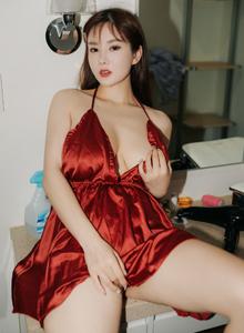 秀人网巨乳性感女神易阳Silvia尤物内衣诱惑写真图片