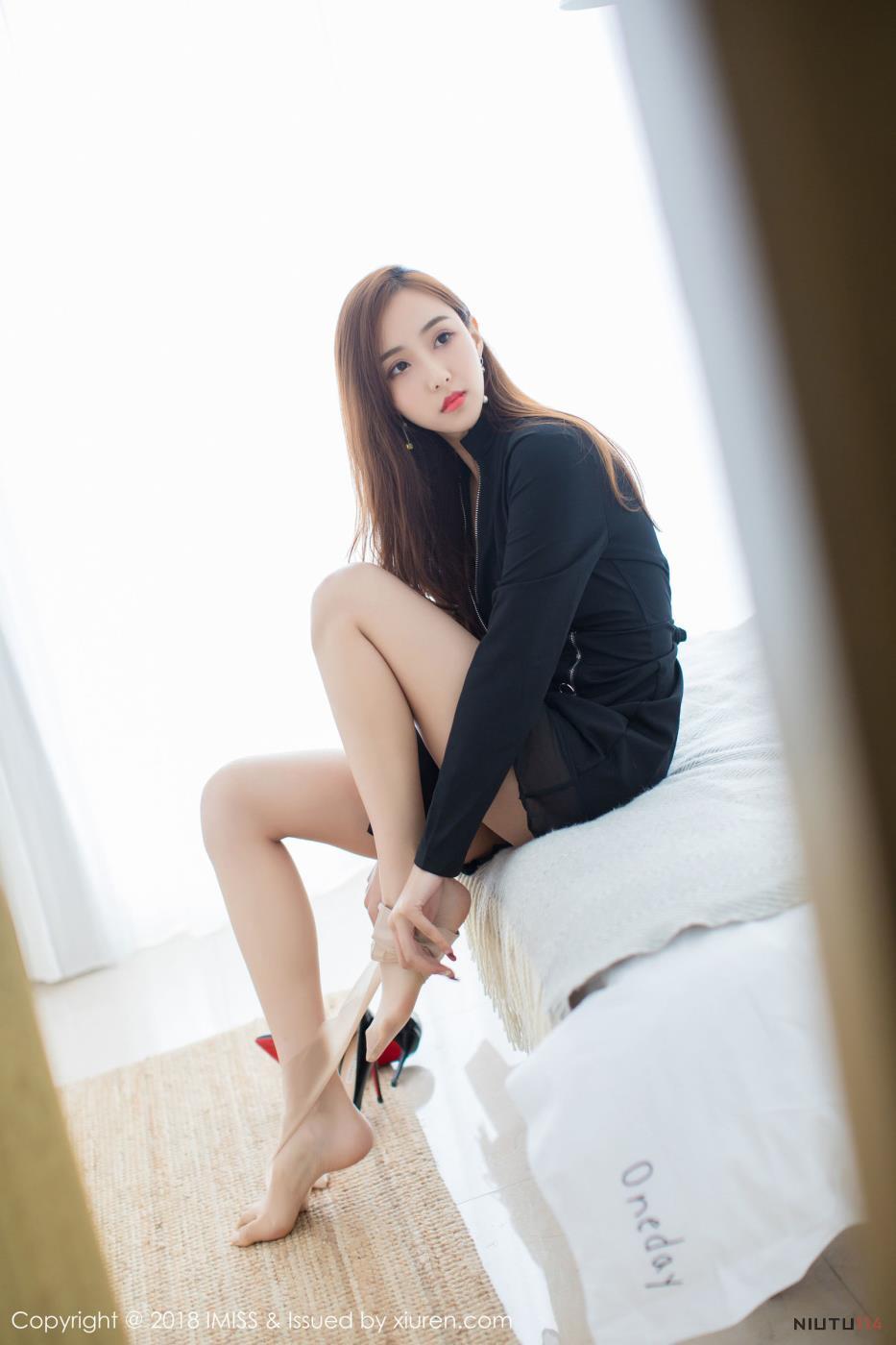 爱蜜社气质美女猫宝性感御姐丝袜美腿大尺度写真图片