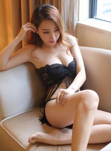 秀人网性感巨乳美女丽莉Lily比基尼诱惑私房写真图片