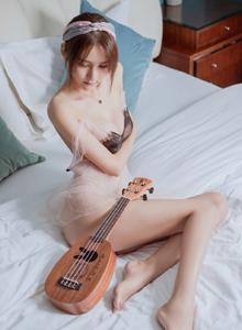 头条女神性感美女SOLO-尹菲大尺度蕾丝内衣诱惑写真图片