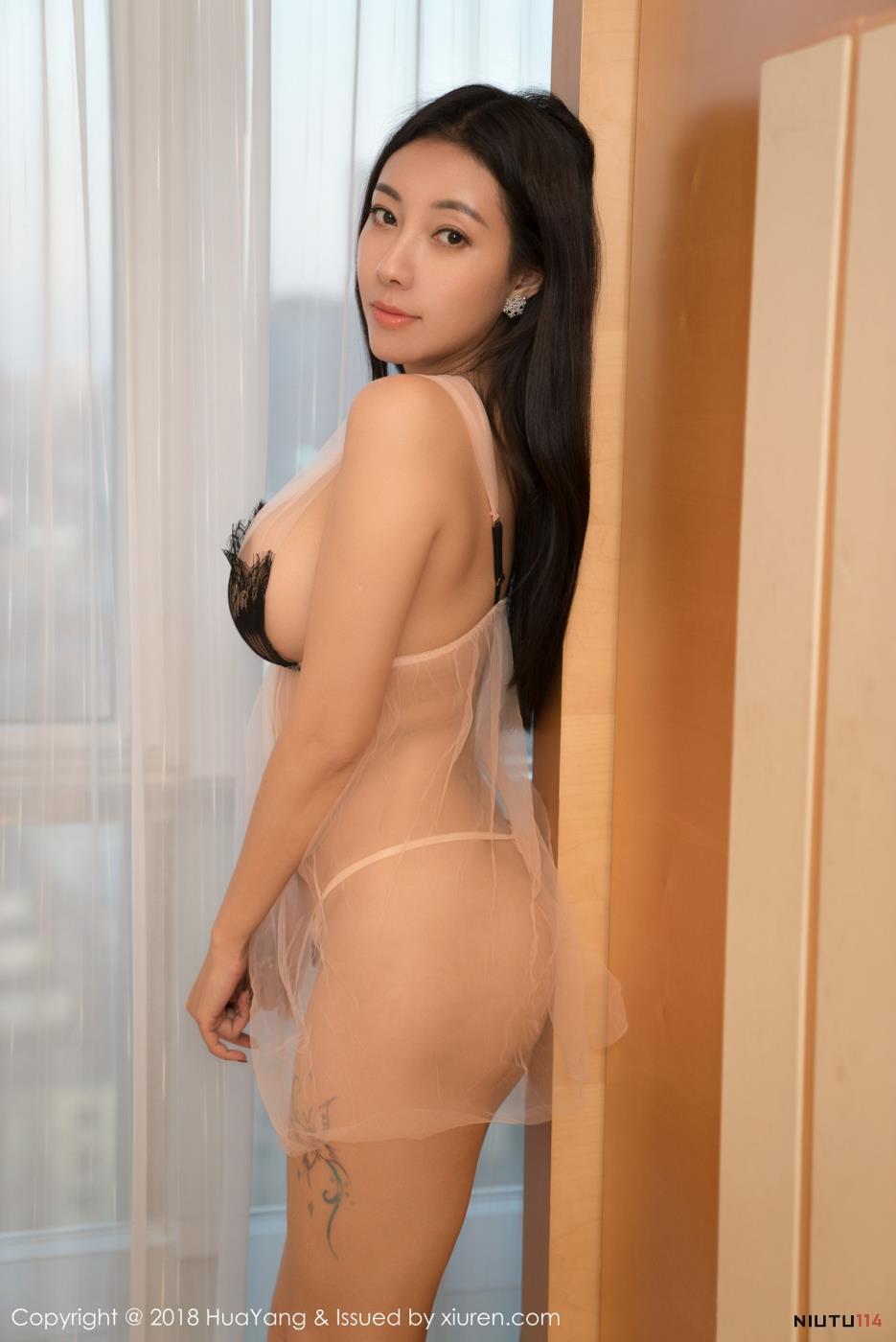 花漾嫩模松果儿性感蕾丝透明内衣诱惑爆乳美女写真图片