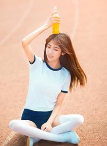 清纯美女校园女神白丝大长腿体操服美女写真图片