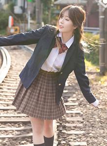 校花美女王雨纯留日女学生系列学生装制服诱惑街拍写真