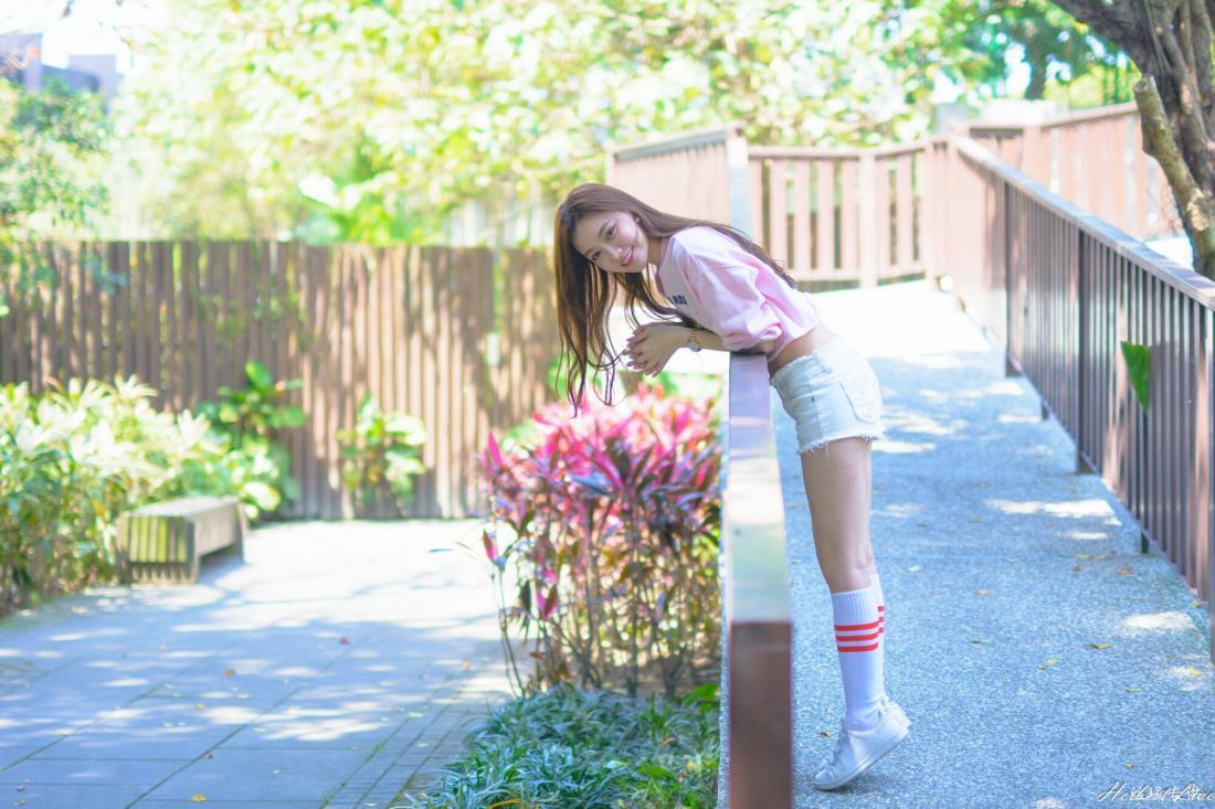 台湾女神苏小立小清新美女热裤运动装系列写真图片
