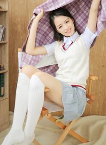 学姐制服校花美女白丝大长腿裸足福利写真图片
