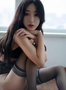 90后网红美少女黑丝丝袜诱惑高清性感美女图片