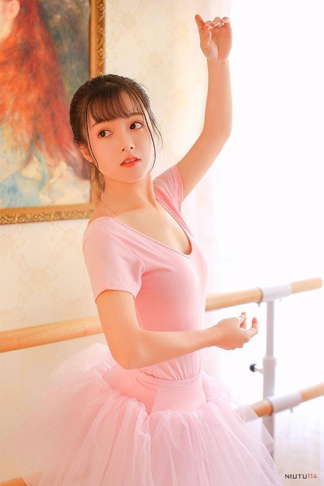 仙气十足 艺校女神芭蕾舞小清新白丝美女美腿小仙女图片