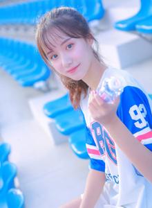 清纯惹人校花美女运动系列小清新美女写真图片