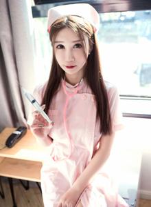 网络红人性感妹子李宓儿粉色护士装制服诱惑高清写真图片