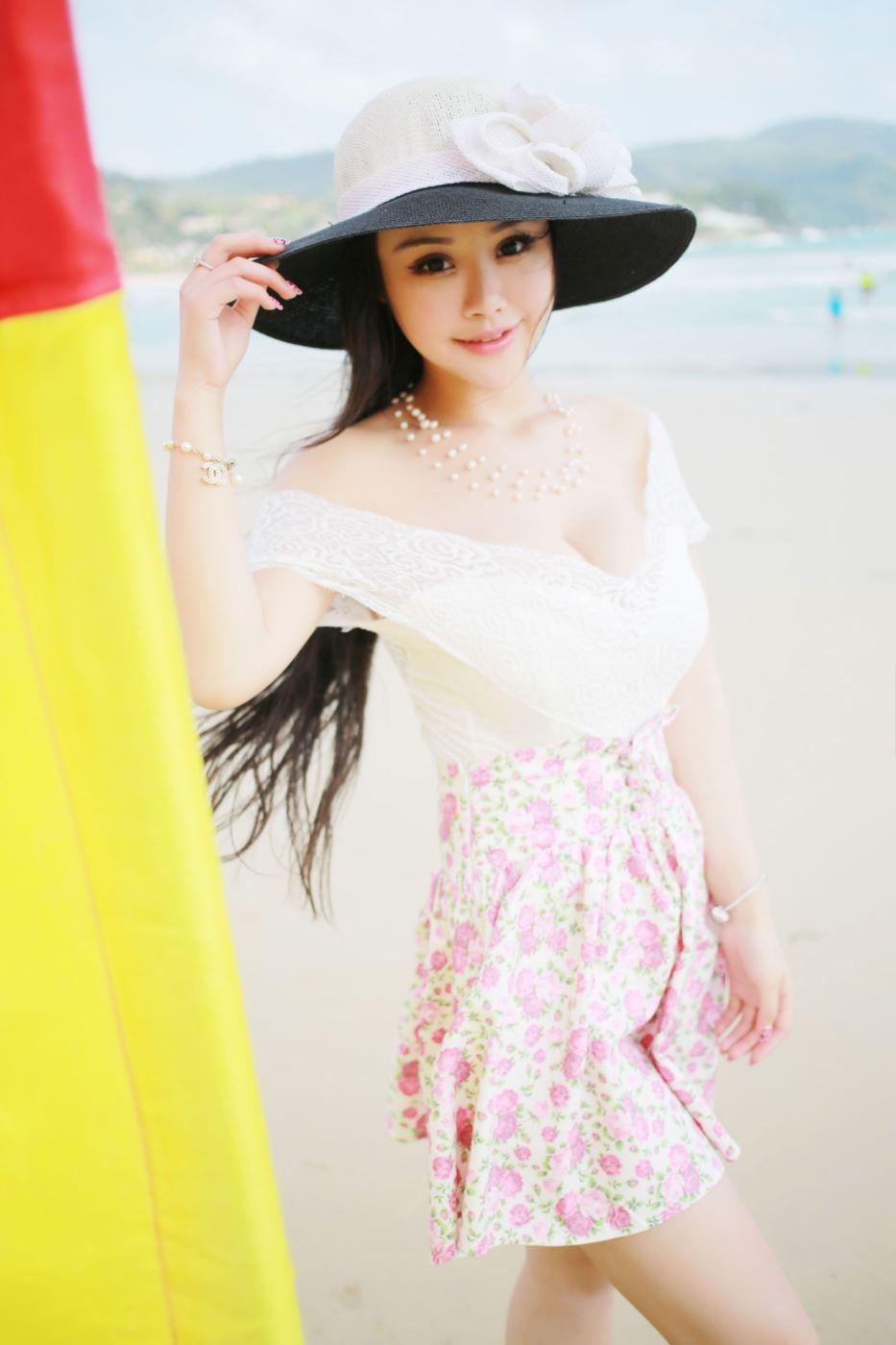 童颜巨乳美女尤物性感比基尼美女沙滩无圣光写真图片