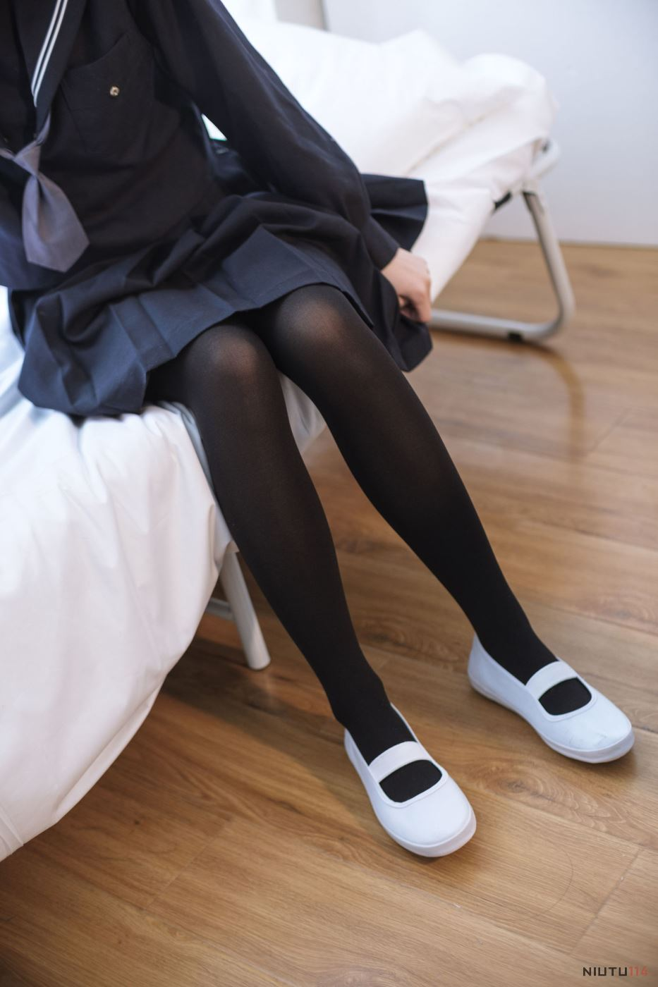 JK制服诱惑小姐姐黑丝美腿私房无圣光高清套图