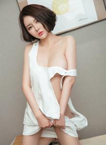 青豆客短发美女凯竹丰满巨乳诱惑私房性感写真图片