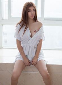性感网红美女程彤颜清纯诱惑秀长美腿私房高清写真图片