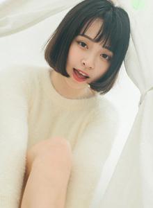 短发美女大眼睛清甜可爱美少女萌妹子室内个人写真