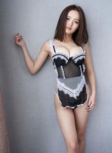 巨乳美女嫩模上演女仆装制服诱惑 蜜桃社李颖诗美女写真