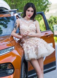 头条女神车模美女爱丽莎性感美女婚纱高清写真图片