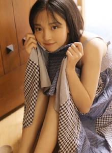 清纯美女俏皮可爱小萝莉白皙美腿居家女友系列写真图片