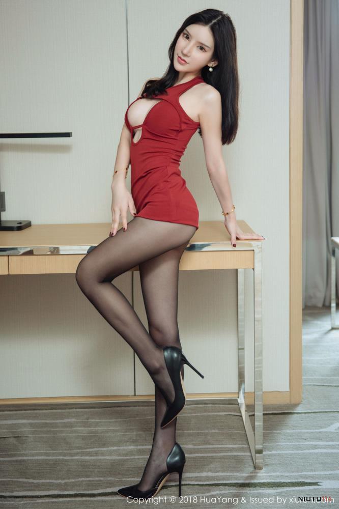 花漾女神周于希dummy修长美腿性感黑丝御姐写真图片