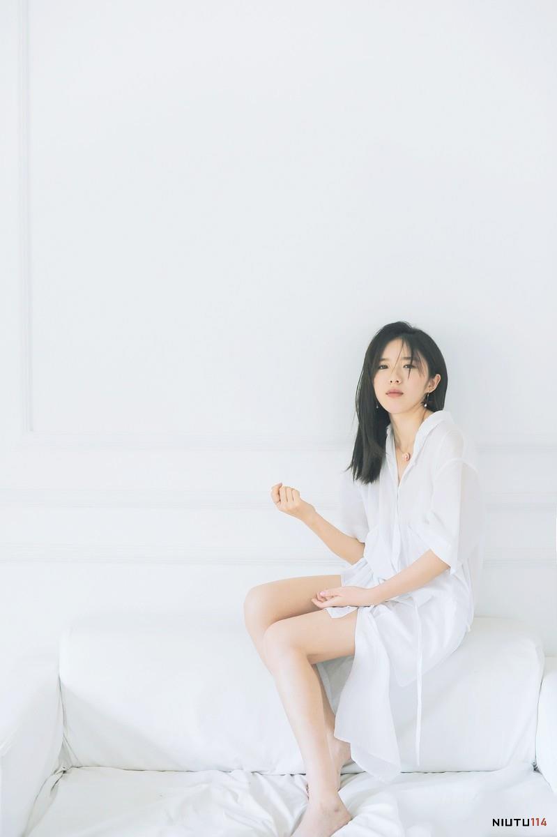 素颜小清新白衬衣美女妩媚性感高清美女图片大全