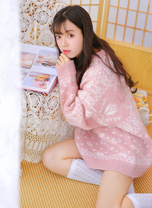 粉红系列小仙女清纯美少女暖心治愈系短腿白袜写真图片