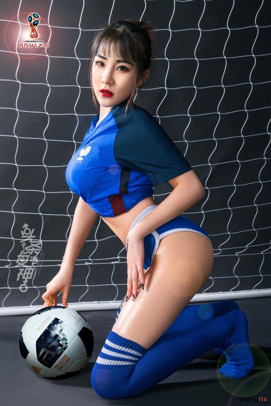 头条女神模特团团足球宝贝翘臀诱人爆乳女神高清写真图片
