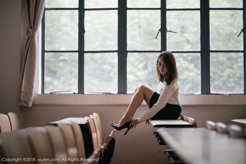 秀人网性感美女模特许诺Sabrina女教师制服诱惑白衬衫美女图片