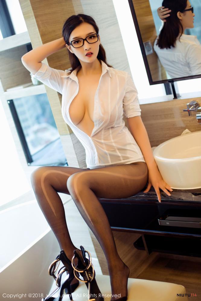双笙Alina白衬衣美女性感黑丝诱惑极品御姐私房魅惑写真图
