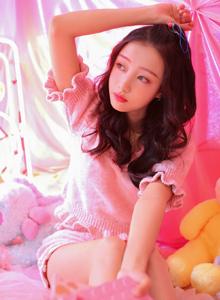 网红少女性感身材大长腿可爱小清新女神美女写真图片