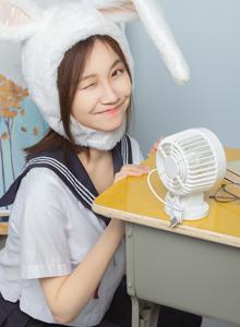 日系清纯美少女学生装JK制服教室制服诱惑俏皮可爱图片