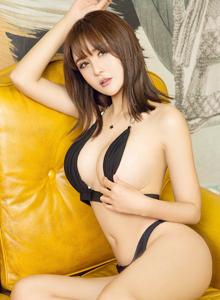 爱尤物SOLO-尹菲圆润美臀诱人性感丰满巨乳美女写真图片