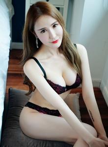 推女神伍月yuer性感美女内衣美胸诱人无圣光私房写真图片