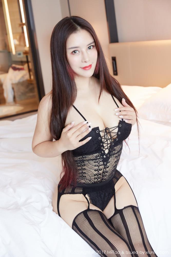 蜜桃社雪千寻性感巨乳美女大尺度黑丝美腿私房写真图片