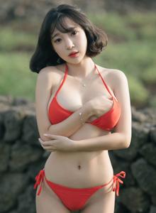 花漾韩国美女妹子模特卿卿性感高颜值比基尼美女首套写真