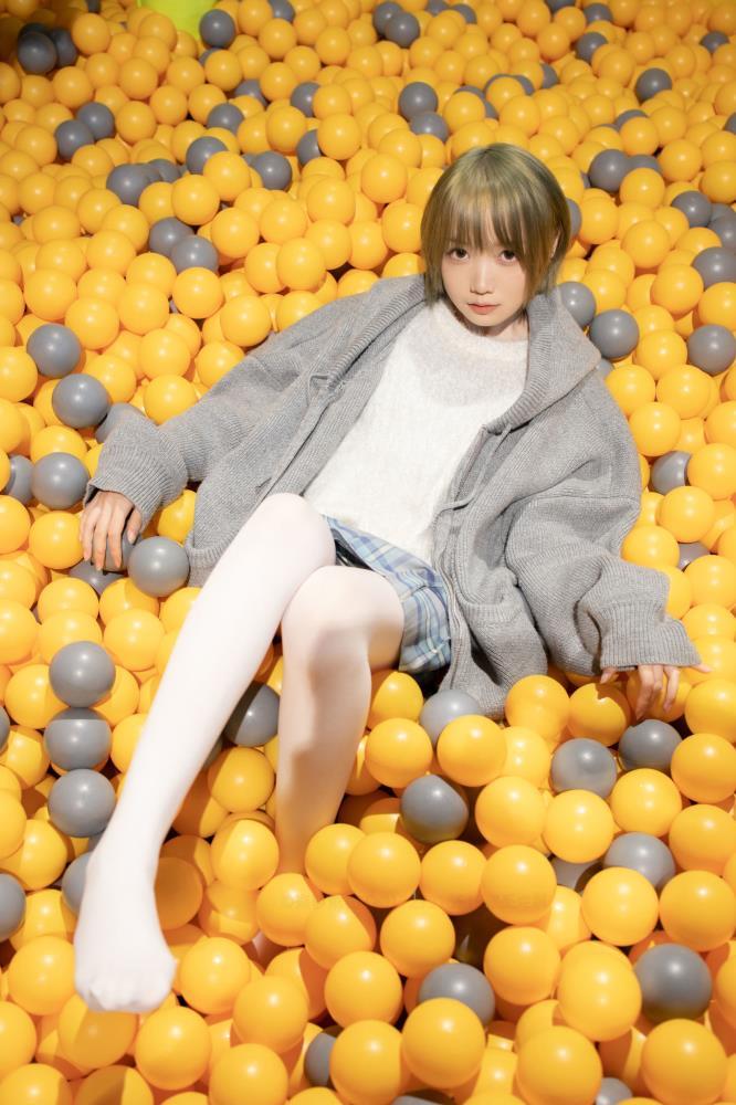 白丝美女图片 网红小仙女修长美腿白丝足控写真图片