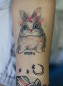 奶油米同款纹身图片 可爱女生卡哇伊兔子手臂纹身图案