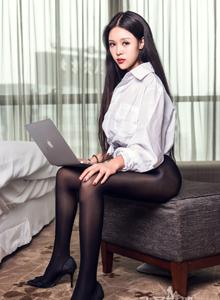 性感女秘书白衬衫美女锦葵黑丝美腿魔鬼身材大尺度写真