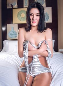 头条女神嫩模悠悠银色泳装美女丝袜诱惑私房高清美女写真图片