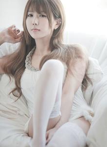 韩国网红美女许允美可爱美少女白丝美腿私房足控福利写真